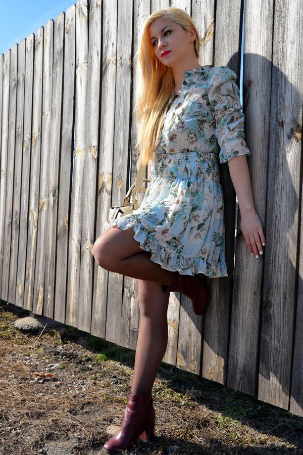 Floral Dress, Blog